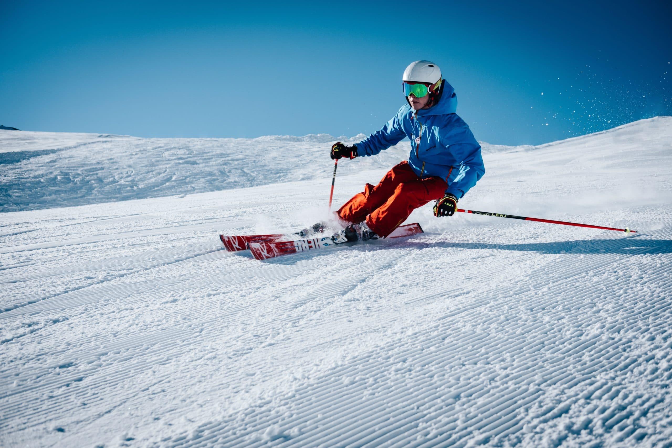 personne faisant du ski